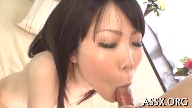 Oral from oriental babe in upskirt
